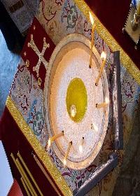 Kutsal Yağ sürme töreni