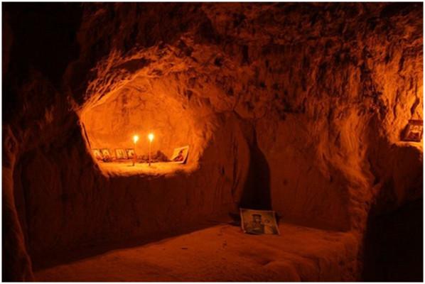 """2 Aralık Kutsal Babamız """"Dirilen"""" Atanasiyus, Kiev Mağaralarının Münzevisi"""