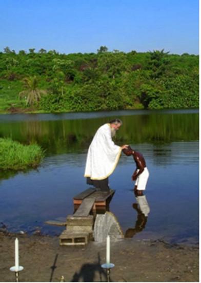 Biz onun ölümünün içinde vaftiz olduk